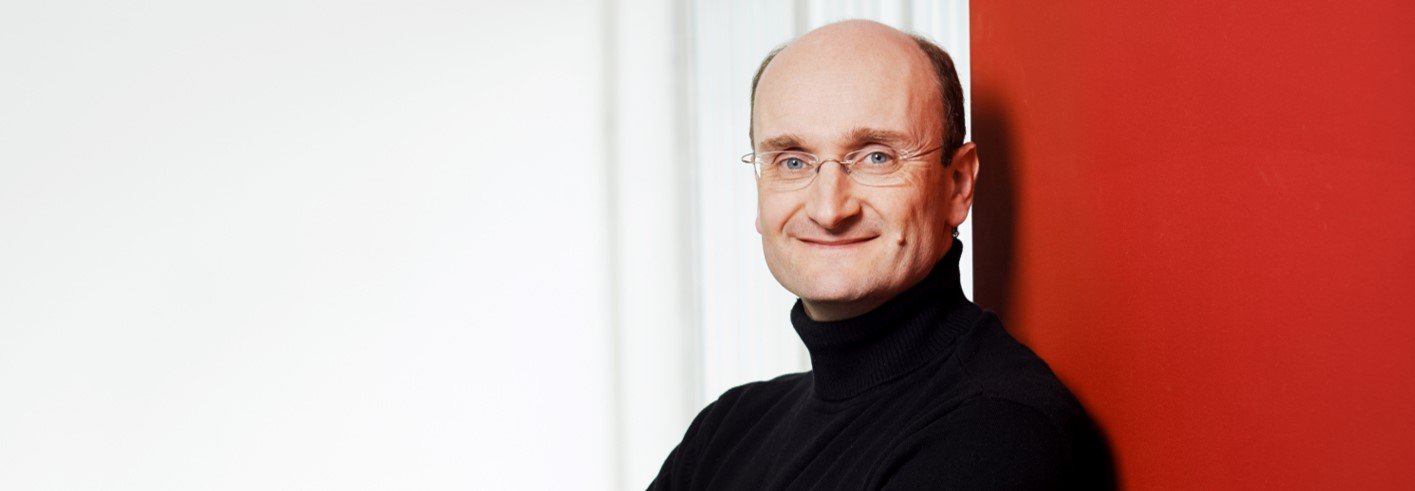 Die Freunde der NDR Radiophilharmonie stellen Andrew Manze als Gast beim Salonfestival vor. (Foto: Gunter Glücklich)