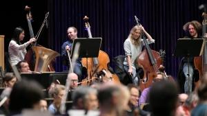 Die Freunde der NDR Radiophilharmonie stellen den Probenbesuch vor.