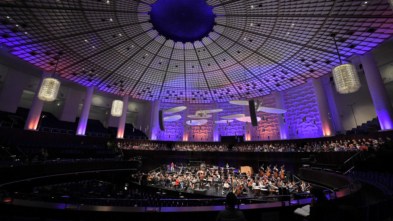 Die Freunde der NDR Radiophilharmonie stellen die Chöre und das Orchester vor.