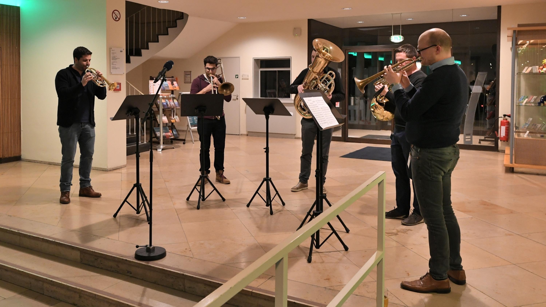 Die Freunde der NDR Radiophilharmonie stellen das Meet & Greet vor. Foto: Carsten Schulze