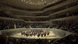 Die Freunde der NDR Radiophilharmonie stellen den Besuch in der Elbphilharmonie vor.