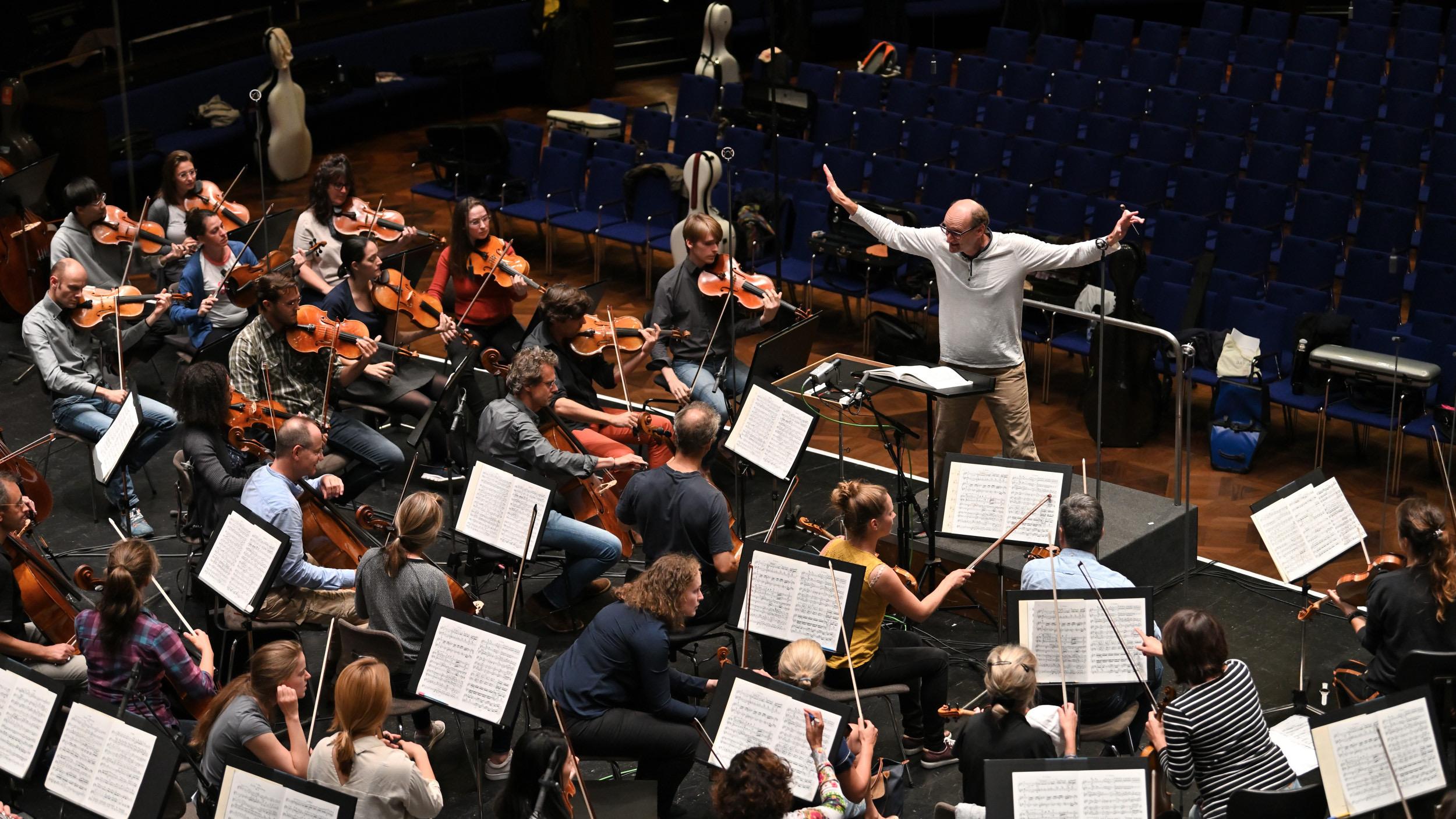 Die Freunde der NDR Radiophilharmonie stellen den Probenbesuch zur Saisoneröffnung vor. Foto: Carsten P. Schulze