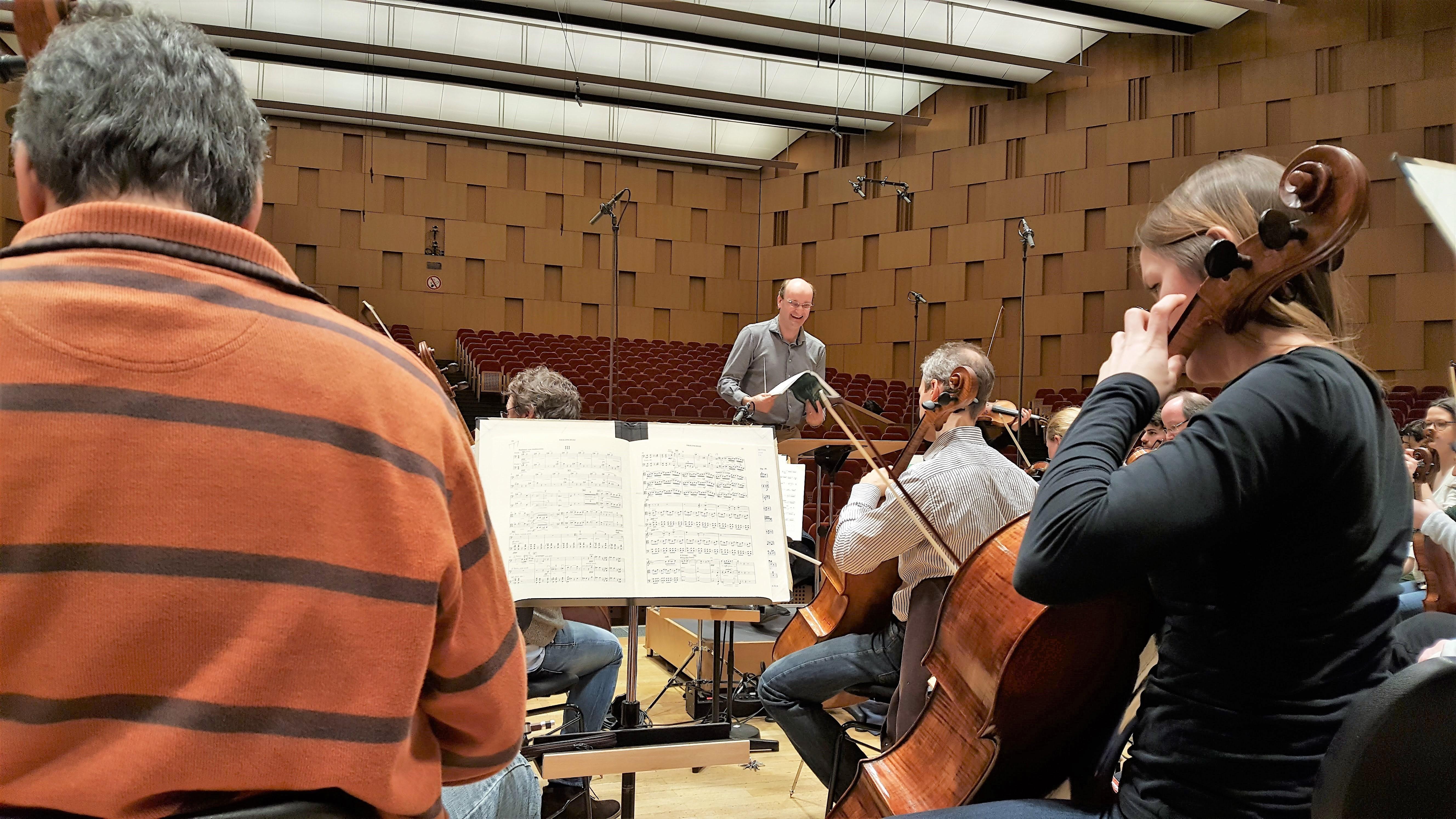 Die Freunde der NDR Radophilharmonie stellen die Hörerlebnisplätze vor. Foto: Ina Rebenschütz-Maas
